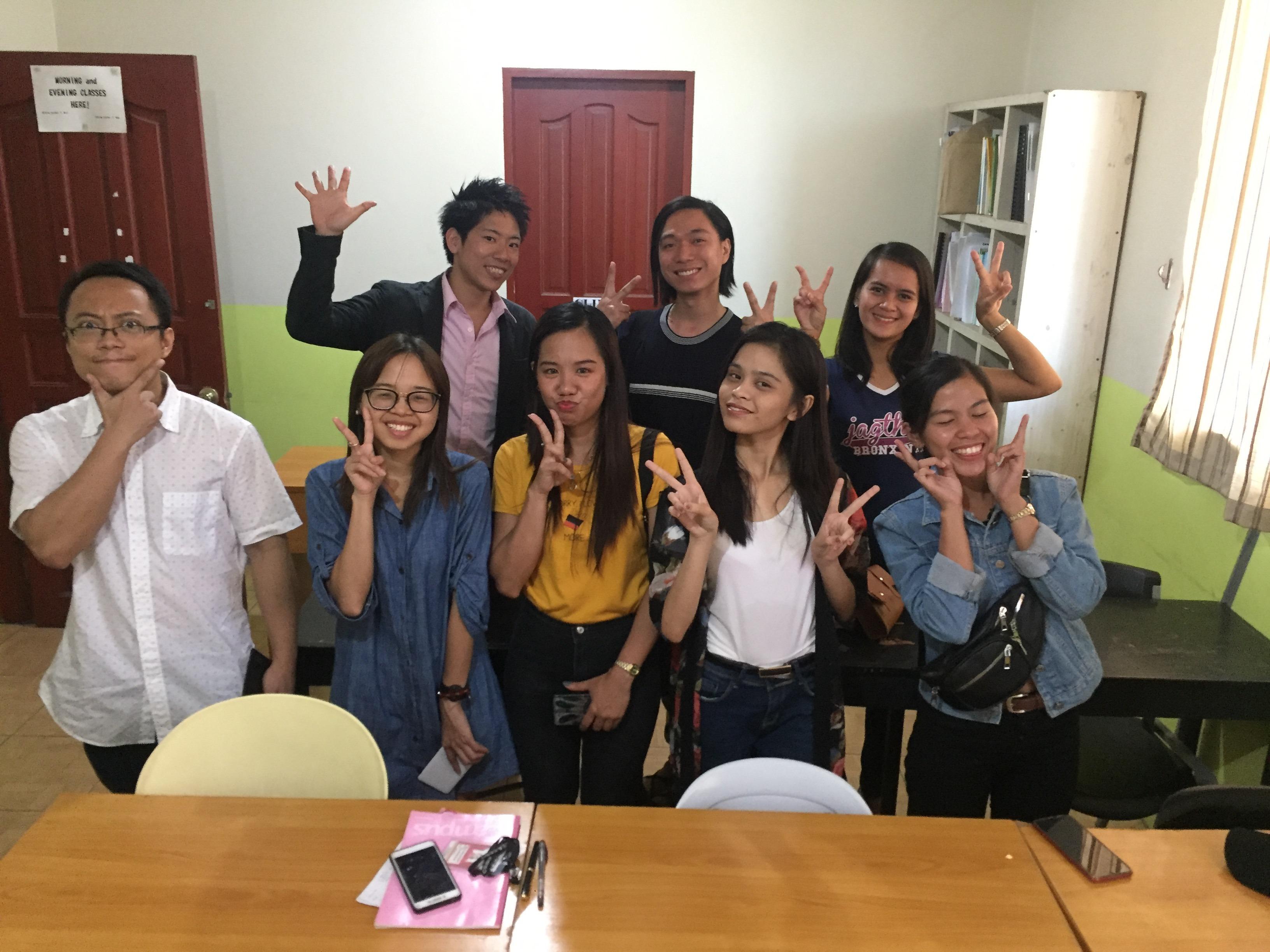 セブ島で展開する日本語学校の事業 講師の先生や生徒さん